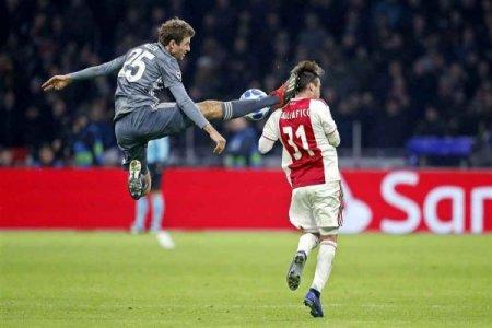 UEFA Mülleri cəzalandırdı: