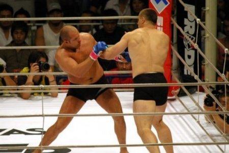 Əfsanəvi boksçu karyerasını başa vurur
