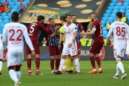 """Türkiyə Superliqası: """"Sivasspor""""un """"Trabzonspor""""la oyununda qalib müəyyənləşməyib"""