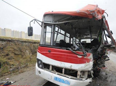 Sumqayıtda marşrut avtobusu qəzaya uğradı - 31 sərnişin xəstəxanada