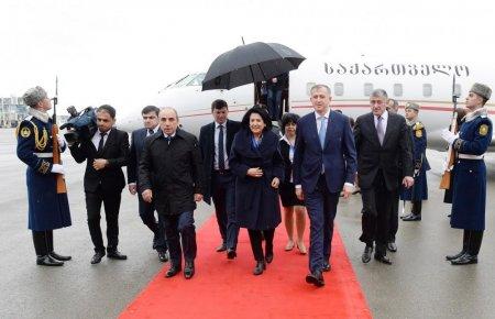 Gürcüstanın Prezidenti Azərbaycana rəsmi səfərə gəlib