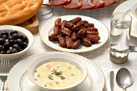 İranda iftar mərasimi qadağan edildi
