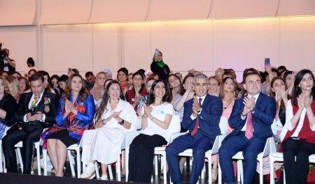 Heydər Əliyev Fondunun vitse-prezidenti Leyla Əliyeva autizm sindromlu uşaqların I Autizm Mədəniyyət Festivalında iştirak edib