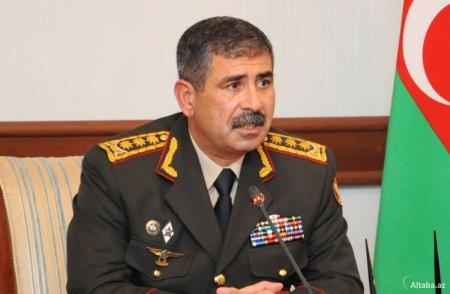 Müdafiə naziri Moskvaya getdi
