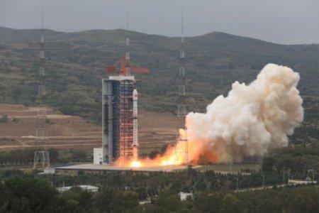 Çin kosmosa 5 nanopeyk buraxıb