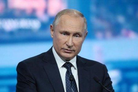 Putin İrəvanda Koçaryanın həyat yoldaşı ilə görüşüb