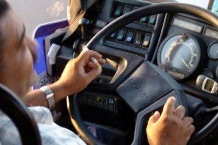 Sükan arxasında siqaret çəkən 55 avtobus sürücüsü cəzalandırılıb - RƏSMİ