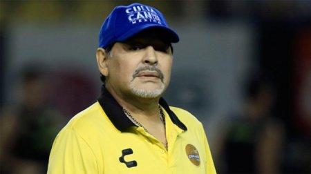 Maradona Argentina klubunu tərk etdi