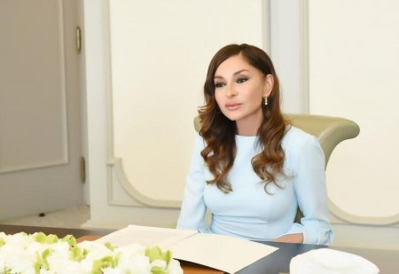 Birinci vitse-prezident Mehriban Əliyeva Prezident İlham Əliyevi doğum günü münasibətilə təbrik edib