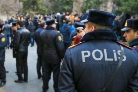 Azərbaycanda polisi bıçaqladılar