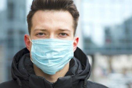 Kimlər mütəmadi olaraq tibbi maskalardan istifadə etməlidir?