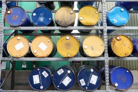 Dünya bazarında neftin qiyməti 30 dolları keçib