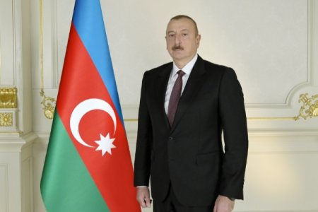 Vətəndaşlar yazırlar: Azərbaycan xalqı çox xoşbəxt xalqdır ki, qayğıkeşliyi, humanistliyi ilə örnək olan Sizin kimi Prezidenti var
