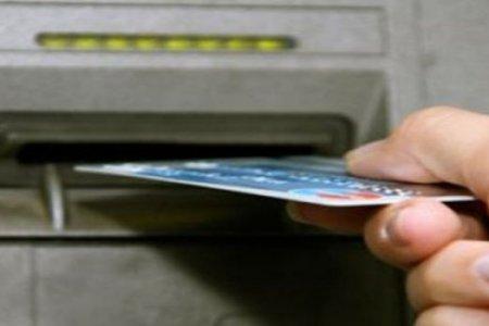 Bakıda bank kartından 4500 manat oğurlanıb