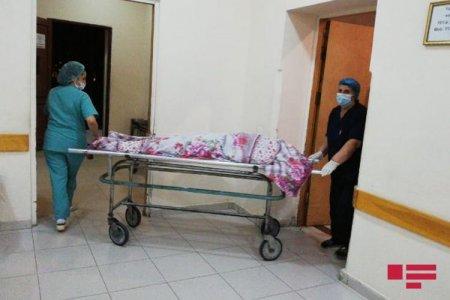 Nişanlısını qətlə yetirdi, anasını isə ağır yaraladı
