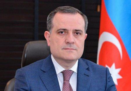 Ceyhun Bayramovdan müəllimlərə TƏBRİK