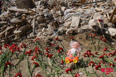 Erməni terrorunun hədəfi Gəncə şəhəri: raket düşən ərazi bir gün sonra - FOTOLENT