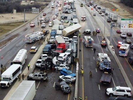 ABŞ-da 100 avtomobil toqquşub, xeyli sayda ölən və yaralananlar var