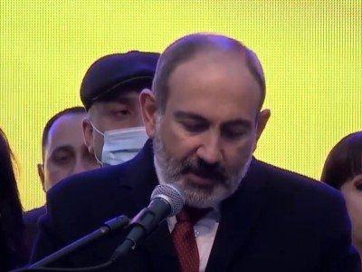 Paşinyan parlamentdə tribunaya çıxmaqdan imtina edib