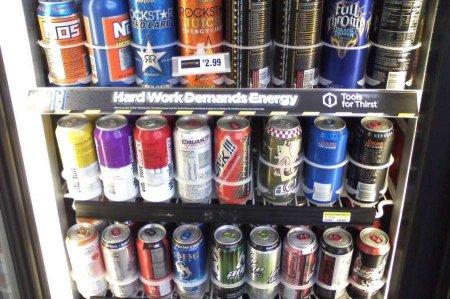 Nazirlik enerji içkiləri ilə bağlı araşdırmalara başlayıb