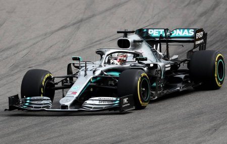 Hemilton F1 Böyük Britaniya Qran Prisində sprint yarışlarının təsnifatının qalibi olub