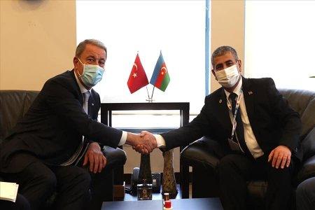 Azərbaycan və Türkiyə Müdafiə nazirləri görüşüb