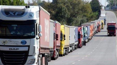 TRACECA çərçivəsində Azərbaycan ərazisindən yükdaşımalar 23 milyon tonu ötüb